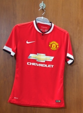 Chevrolet Celebrates Debut on New Manchester United Home Shirt