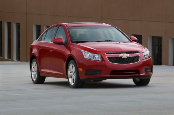 Chevrolet Cruze: Fuel-Efficient Powertrain Offerings Led By