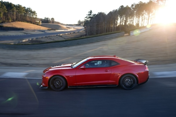 28 Ways Chevrolet Camaro Z/28 Rules the Road Course
