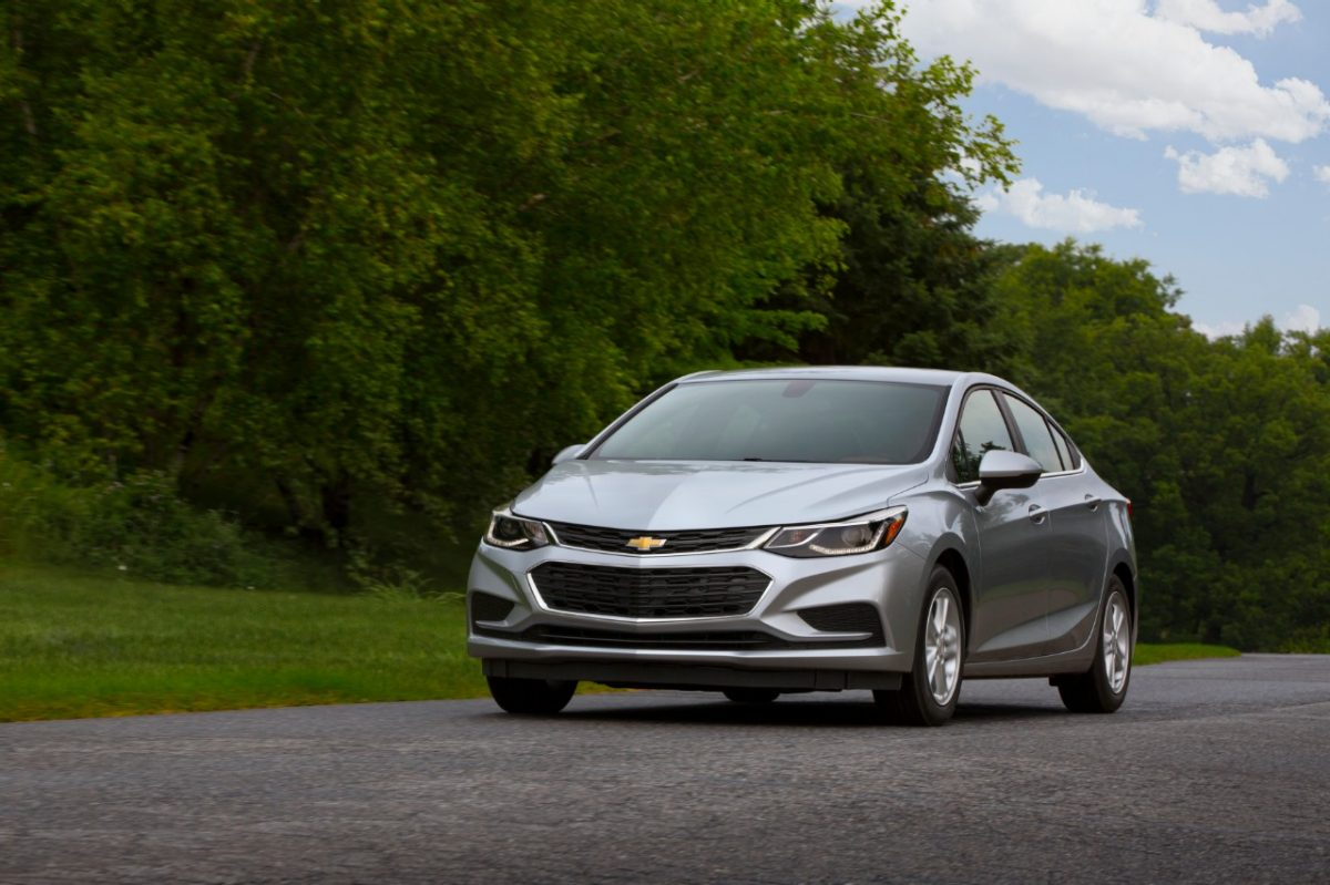 Chevrolet Cruze Owners Manual: Tire Rotation