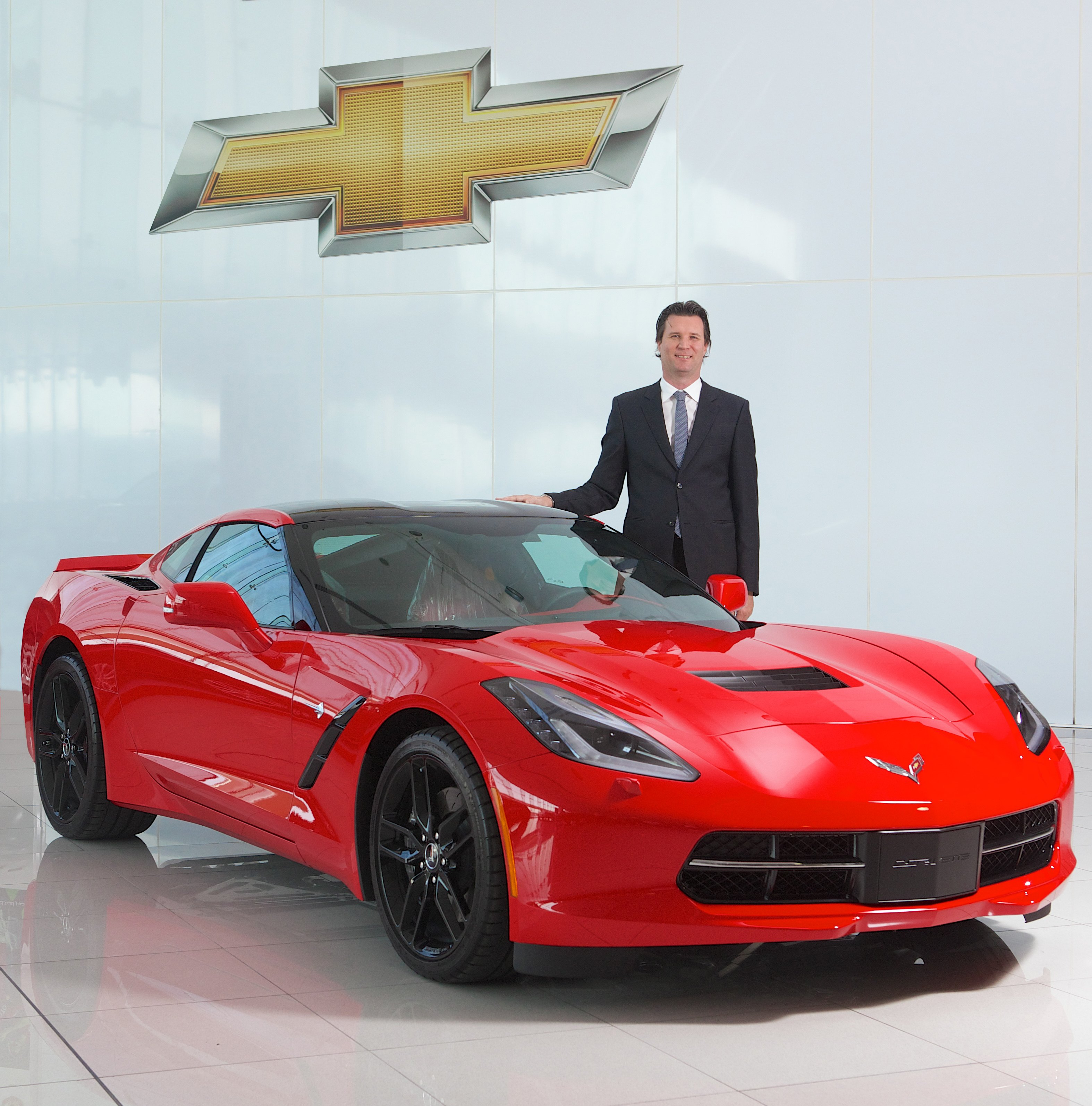 2014-Chevrolet-Corvette-Stingray-Wins-Top-Muscle-Car-Honor