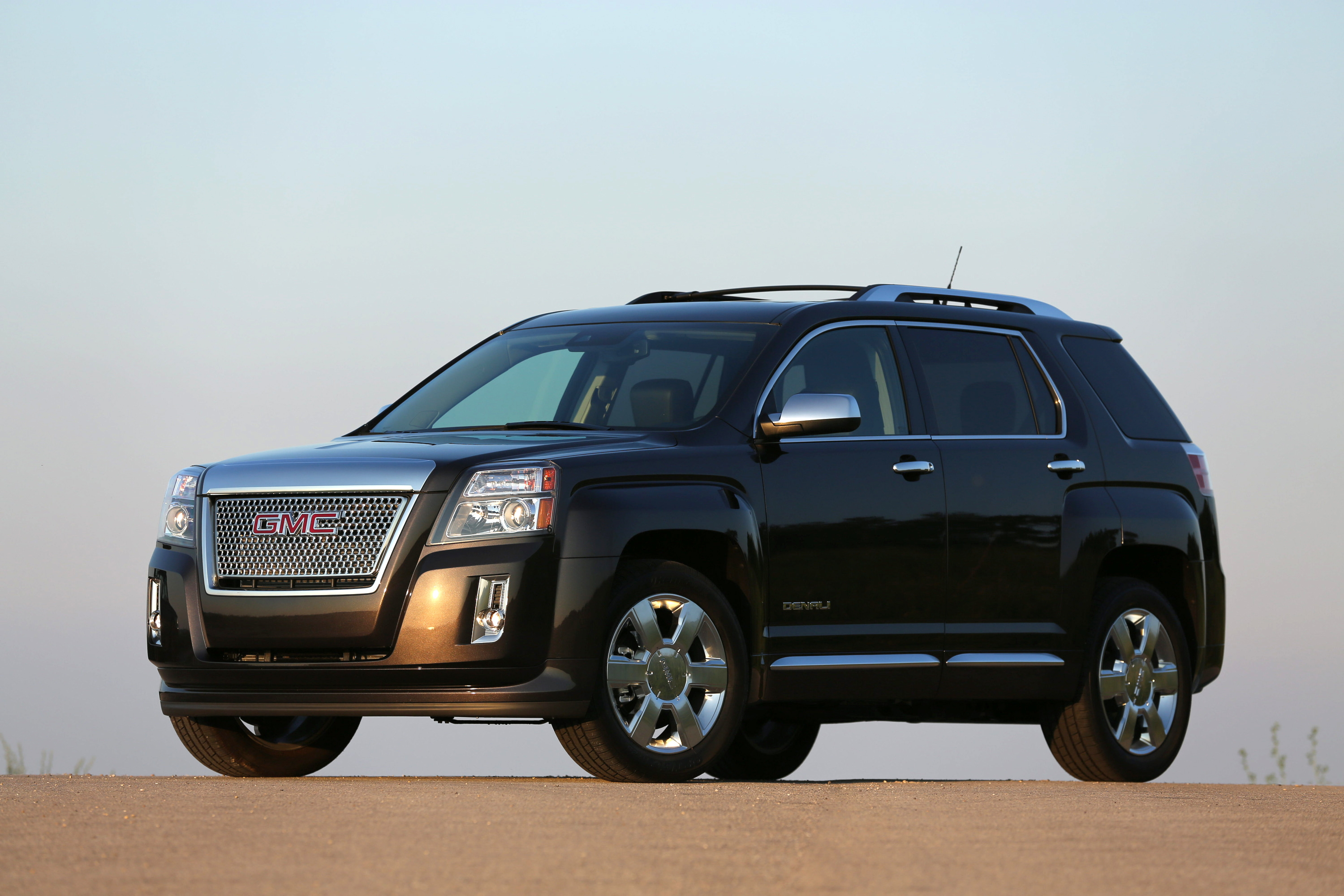 11012015-The-2015-GMC-Terrain -A-Compact-Crossover-Perfectly-Suited-to-the-Luxury-Minded-Driver