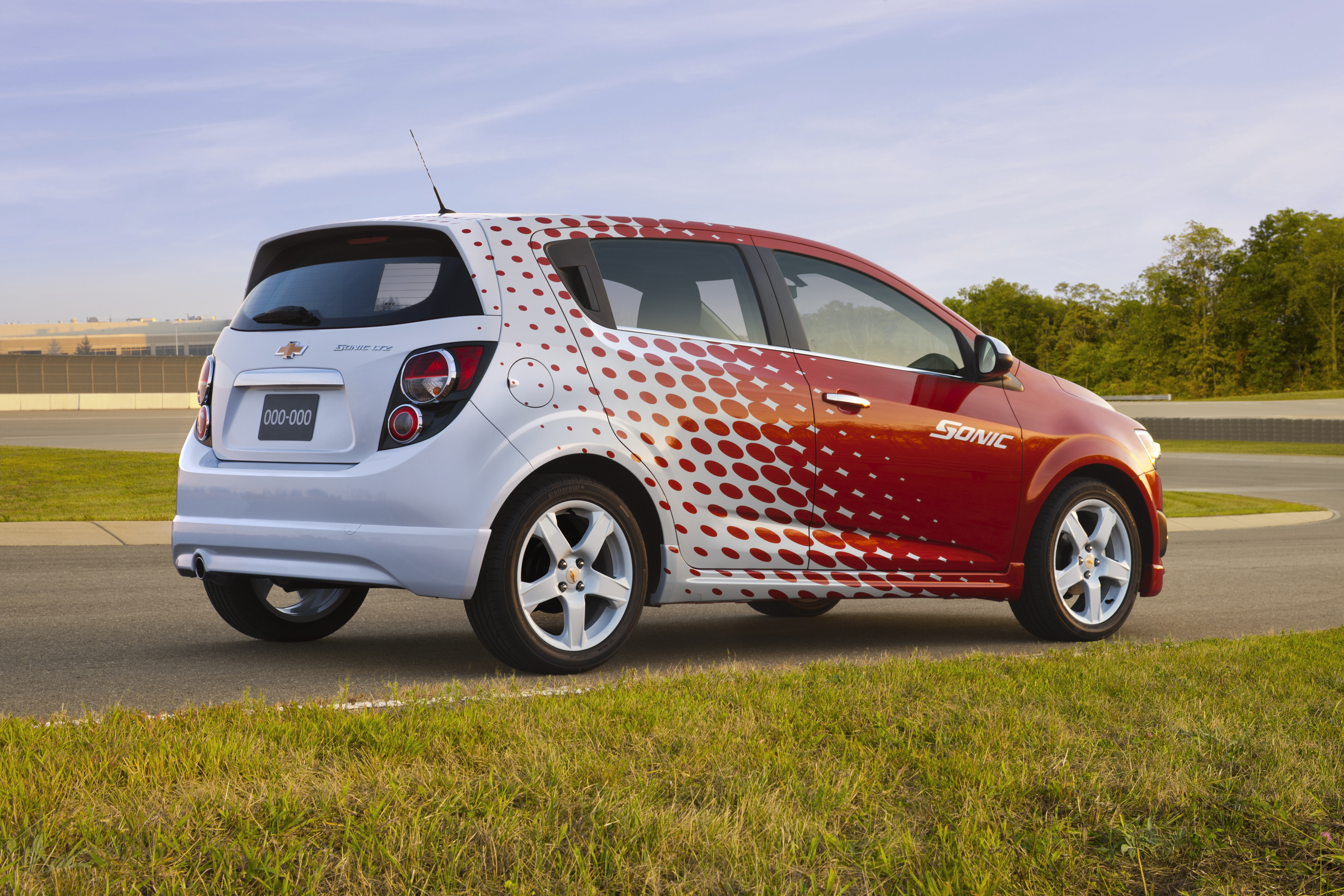 Chevrolet Sonic Owners Manual: Introduction