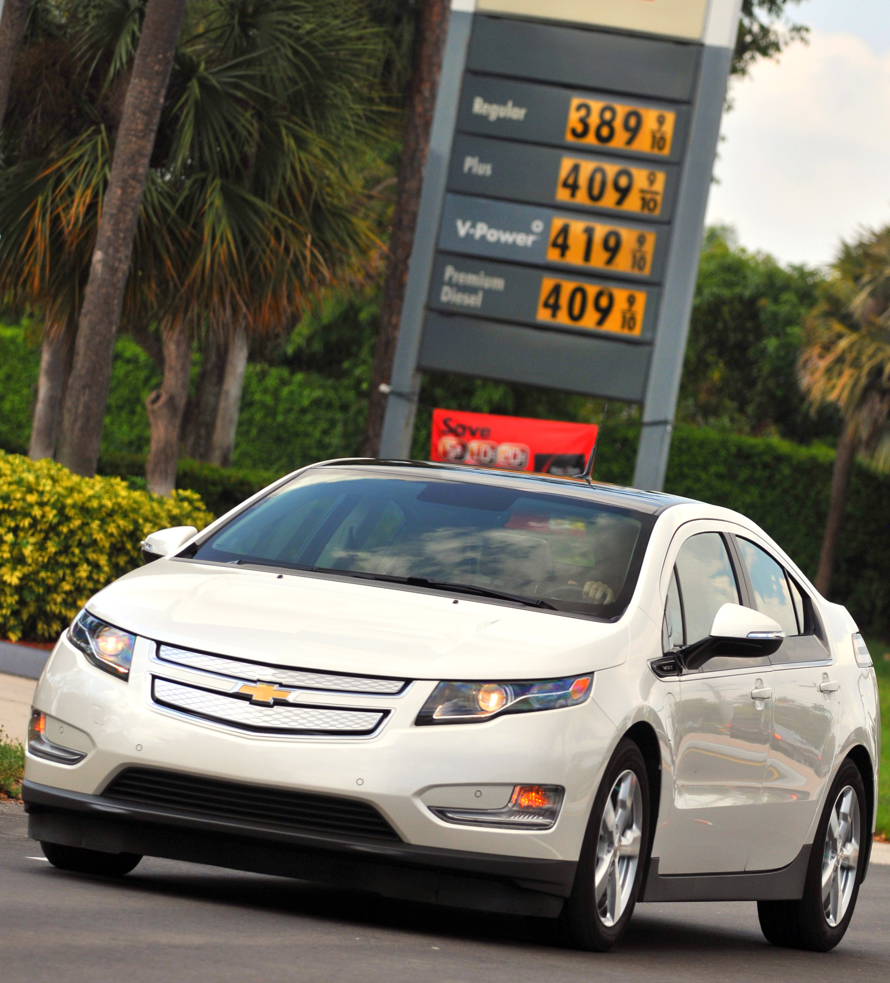 Going Pump Free: Volt Owners Go 1,000 Miles Between Fill-Ups