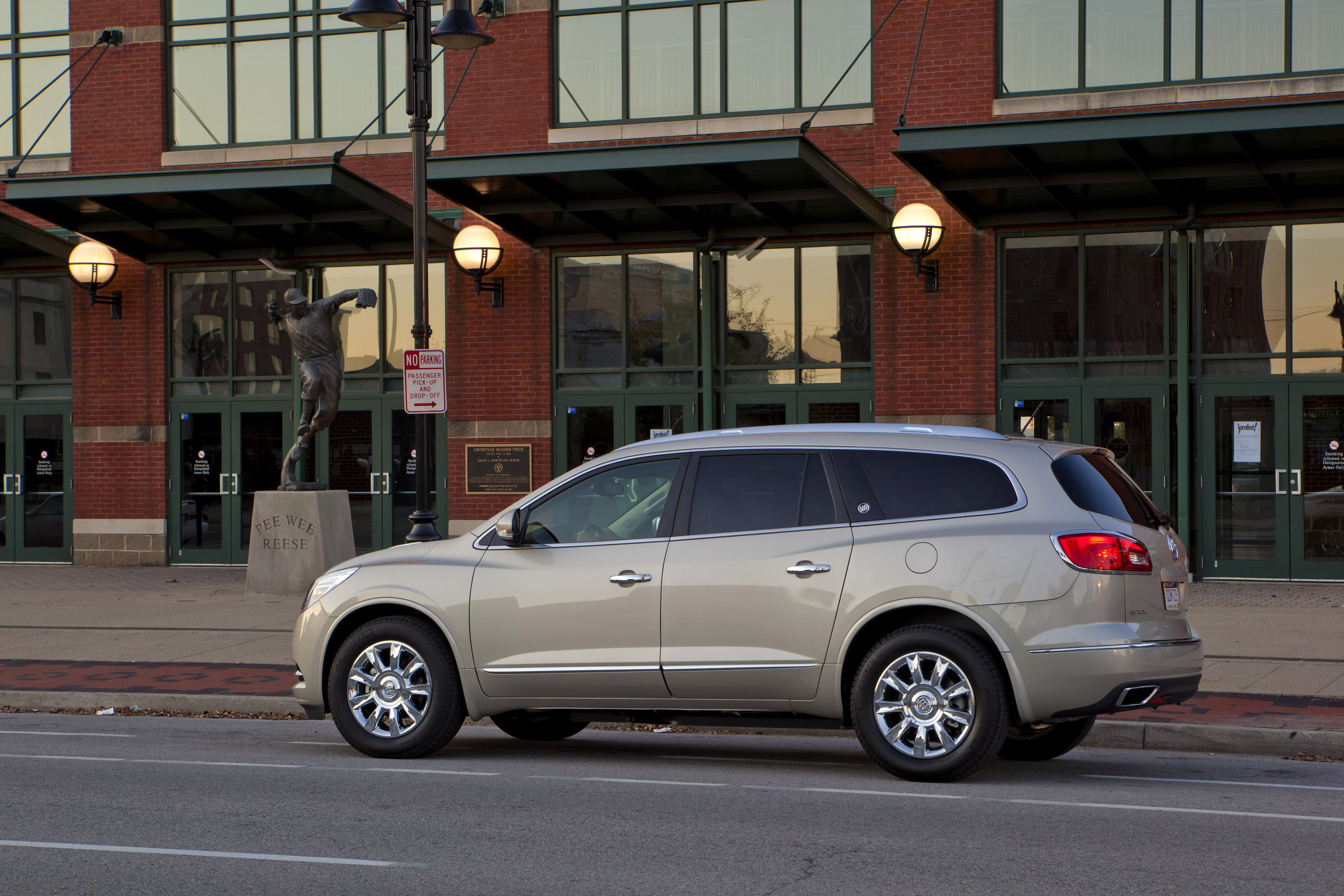us content achieves media star pages mar enclave news detail safety rating vehicles a buick five en
