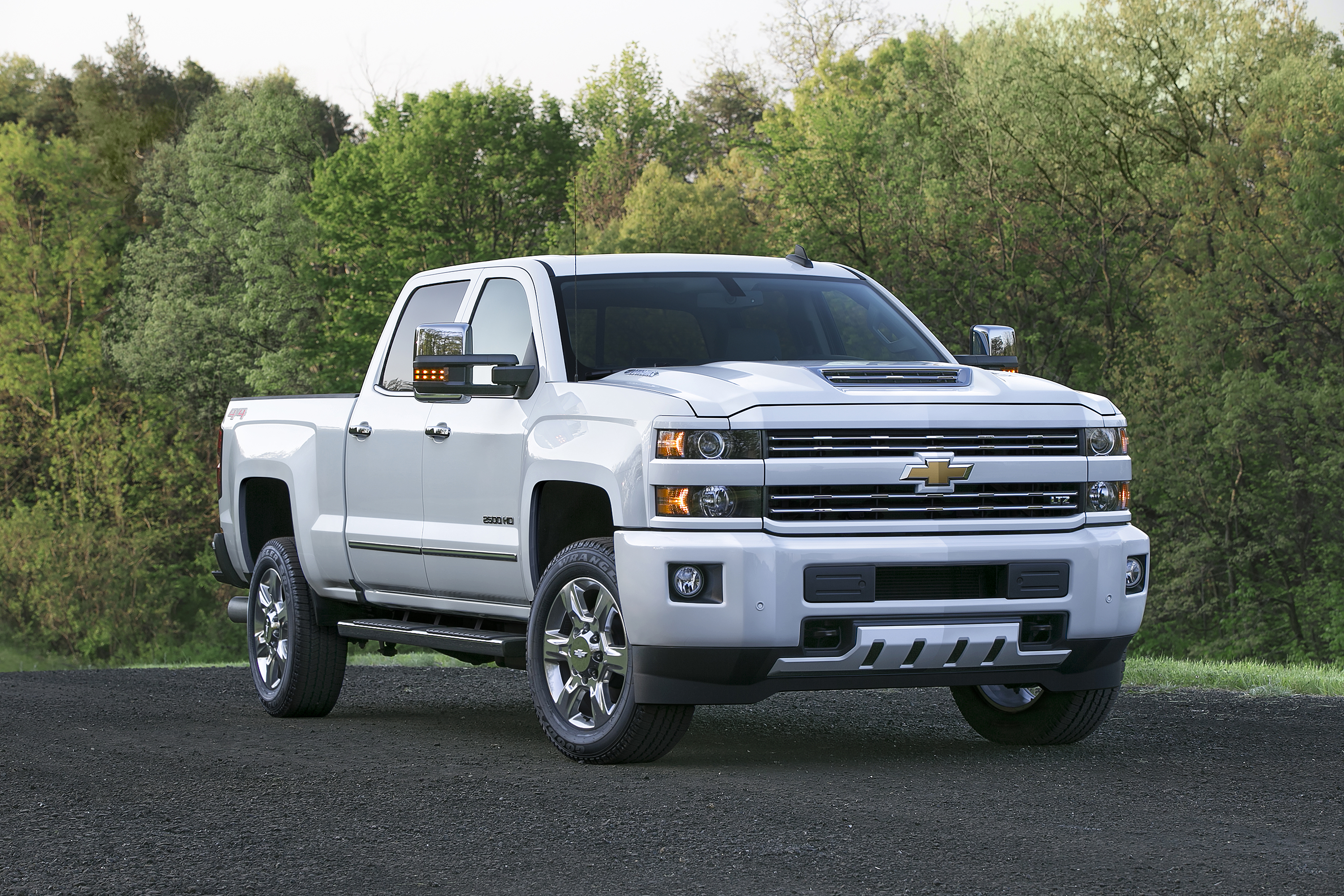 chevrolet and gmc expand alternative fuel fleet offerings rh media gm com