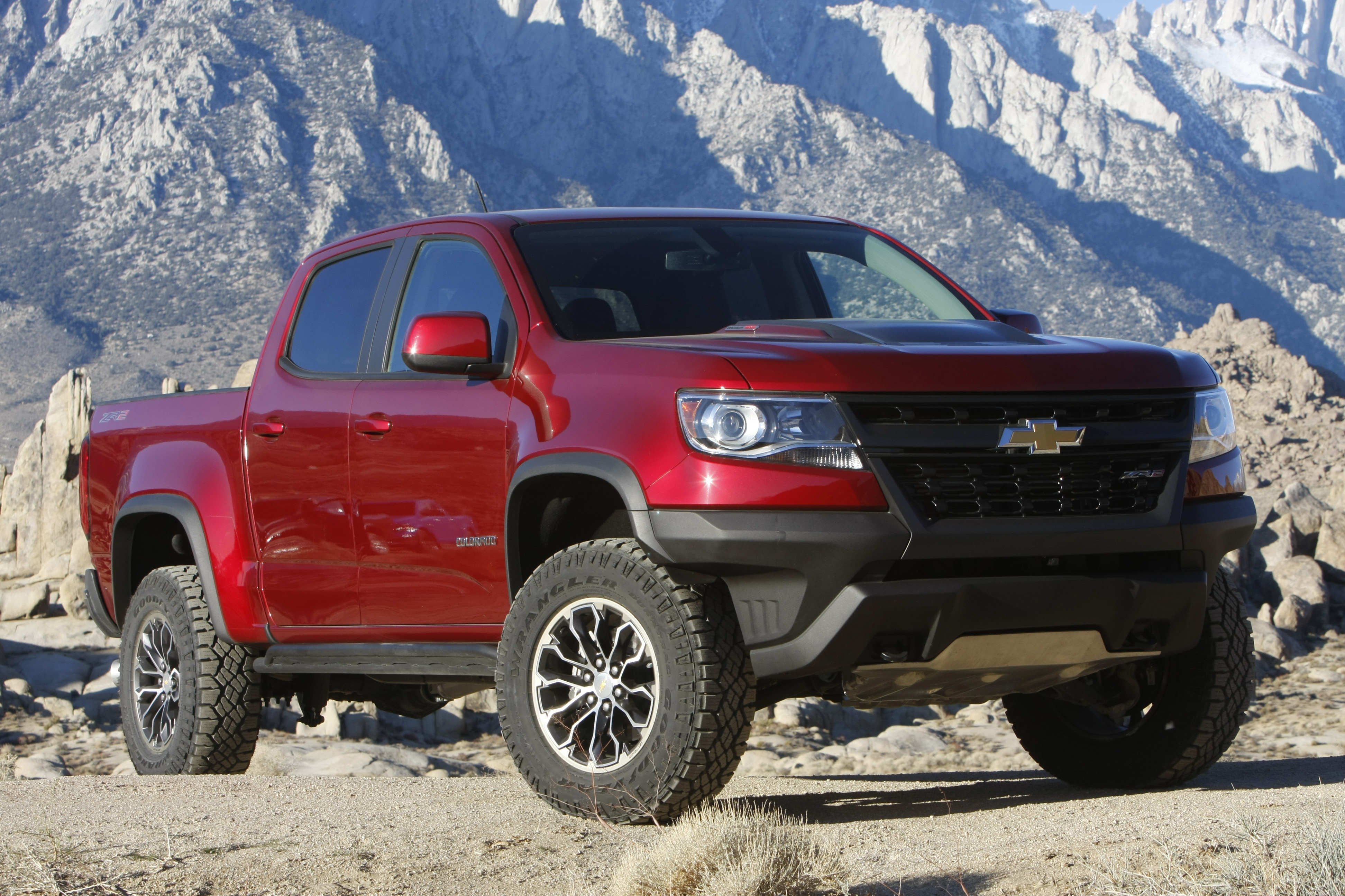 Truck Of The Year >> Chevrolet Colorado Zr2 Is Four Wheeler S 2018 Pickup Truck