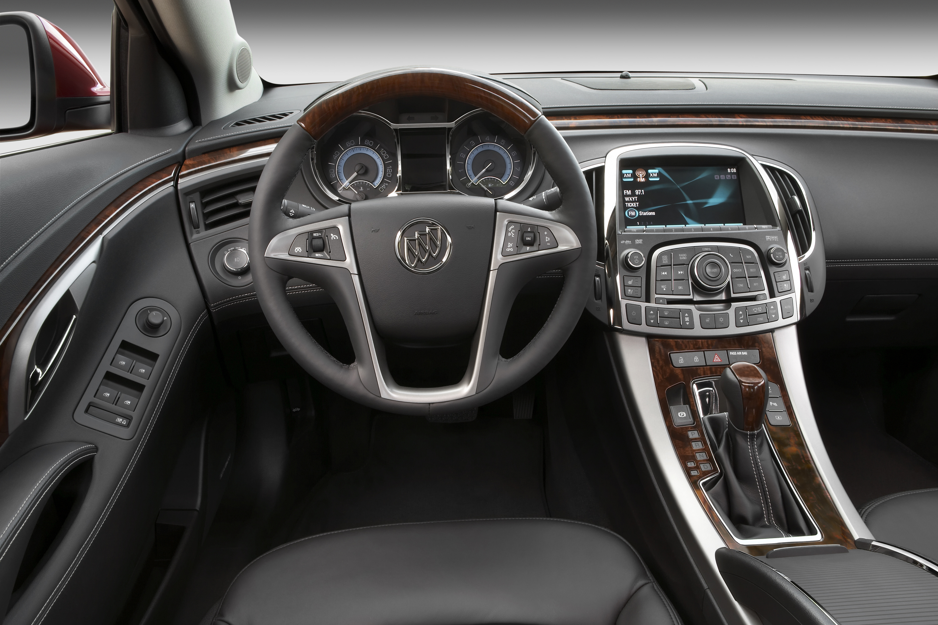 avenir buick flashy motor news cockpit new grille canada en gets lacrosse trend