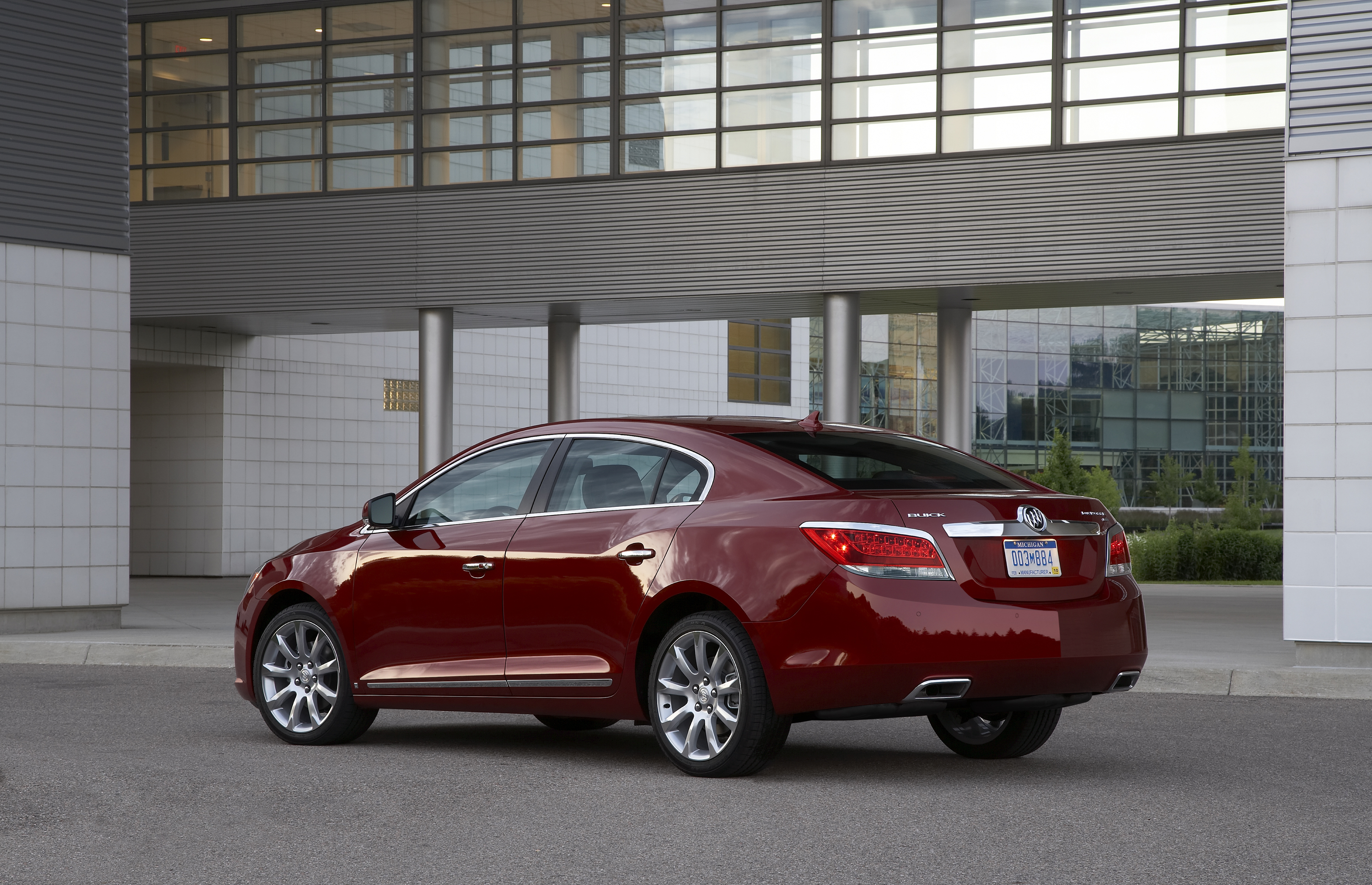 buick auto com lucerne information wallpaper pictures database and specs