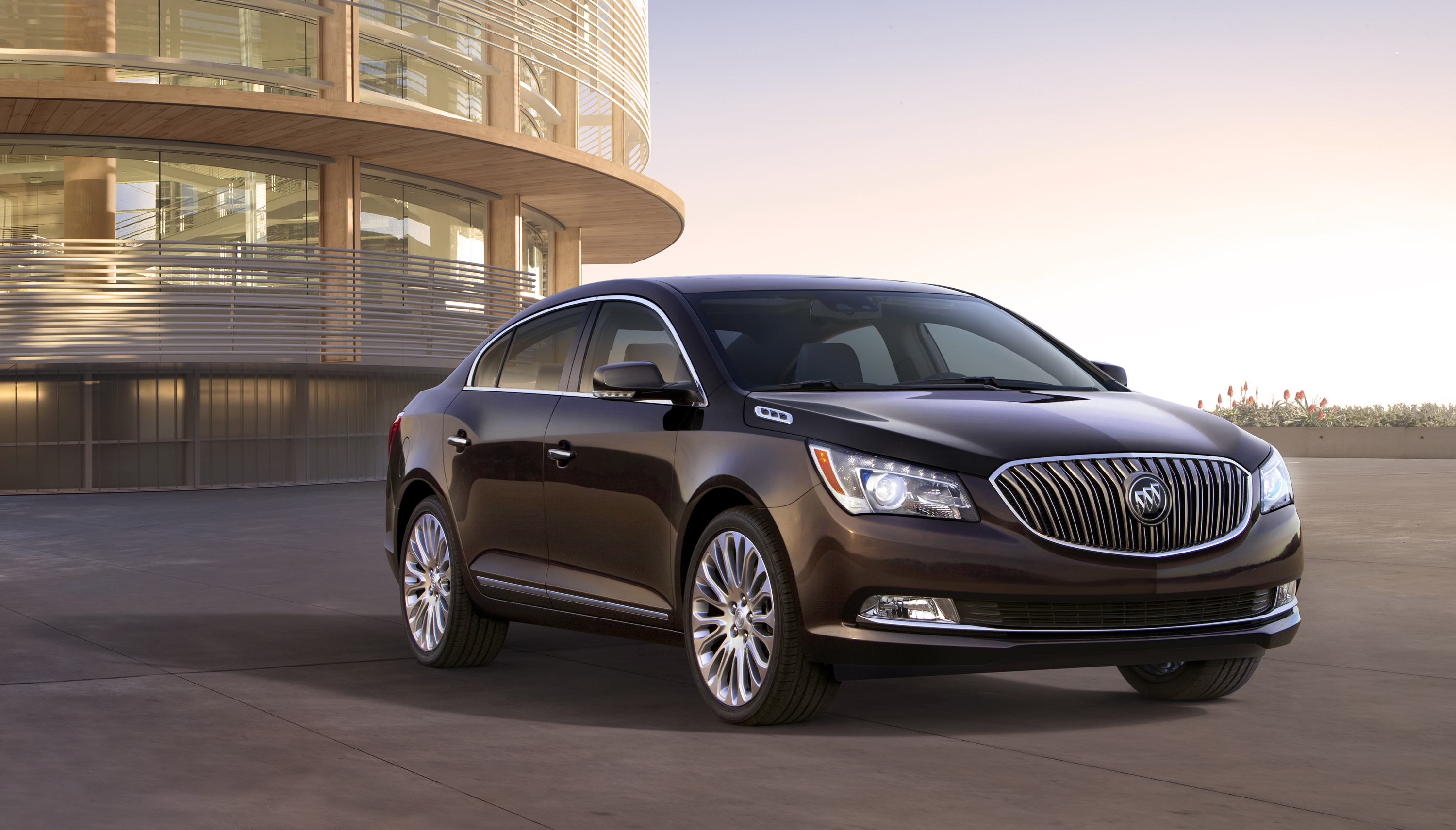 Buick LaCrosse: Safety Belt Use During Pregnancy