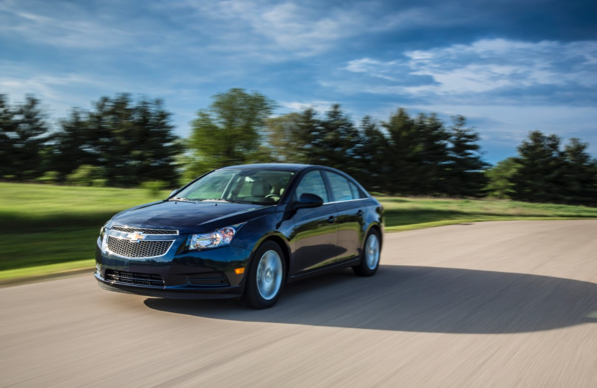 2014-Chevrolet-Cruze-TD-030-medium.jpg