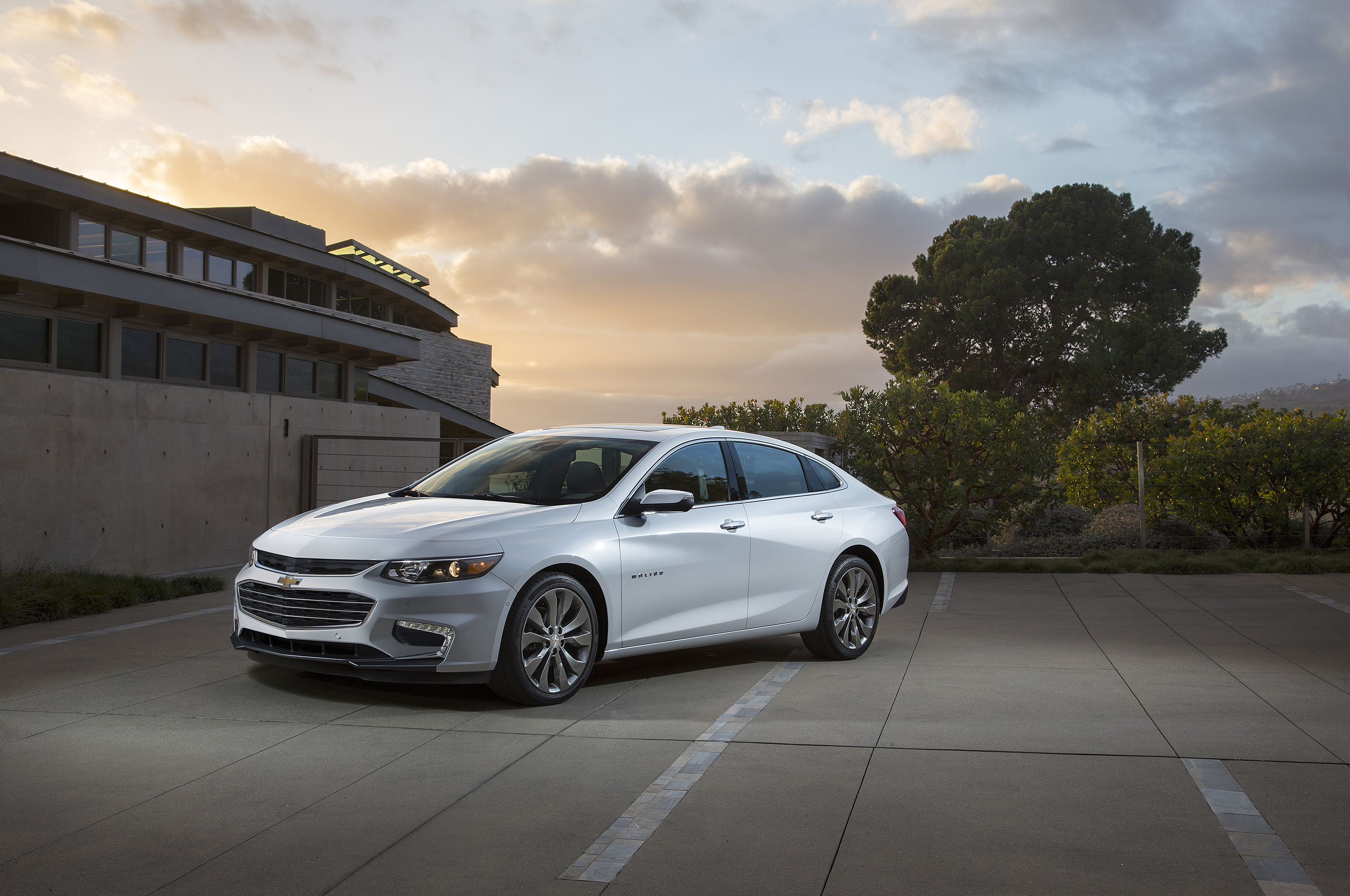 2016 Chevy Cars >> All New Malibu Is Larger More Technological And Efficient