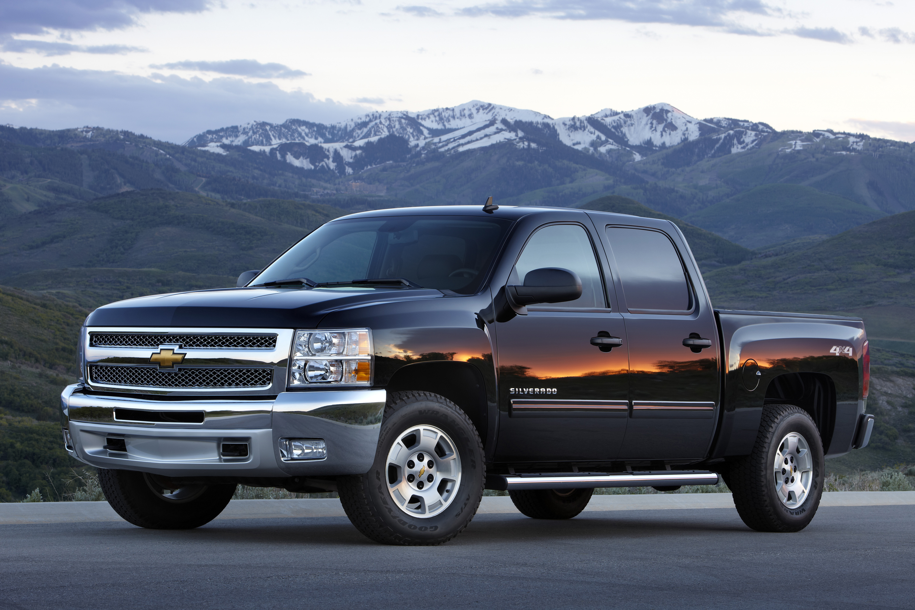price crew exterior silverado cab wb photos chevrolet in reviews truck hybrid features