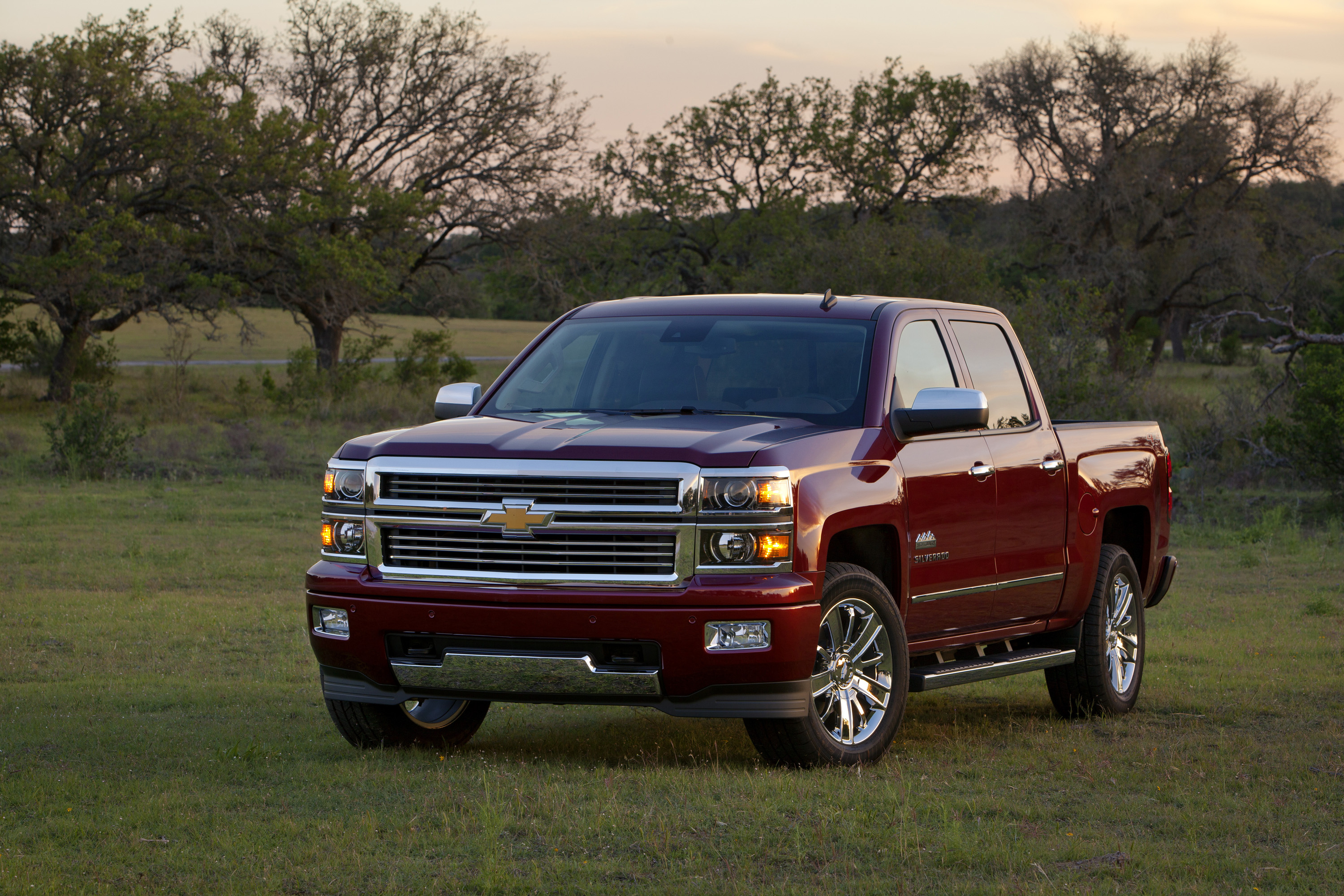 Silverado High Desert >> Silverado Adds Rugged Luxury With New High Country
