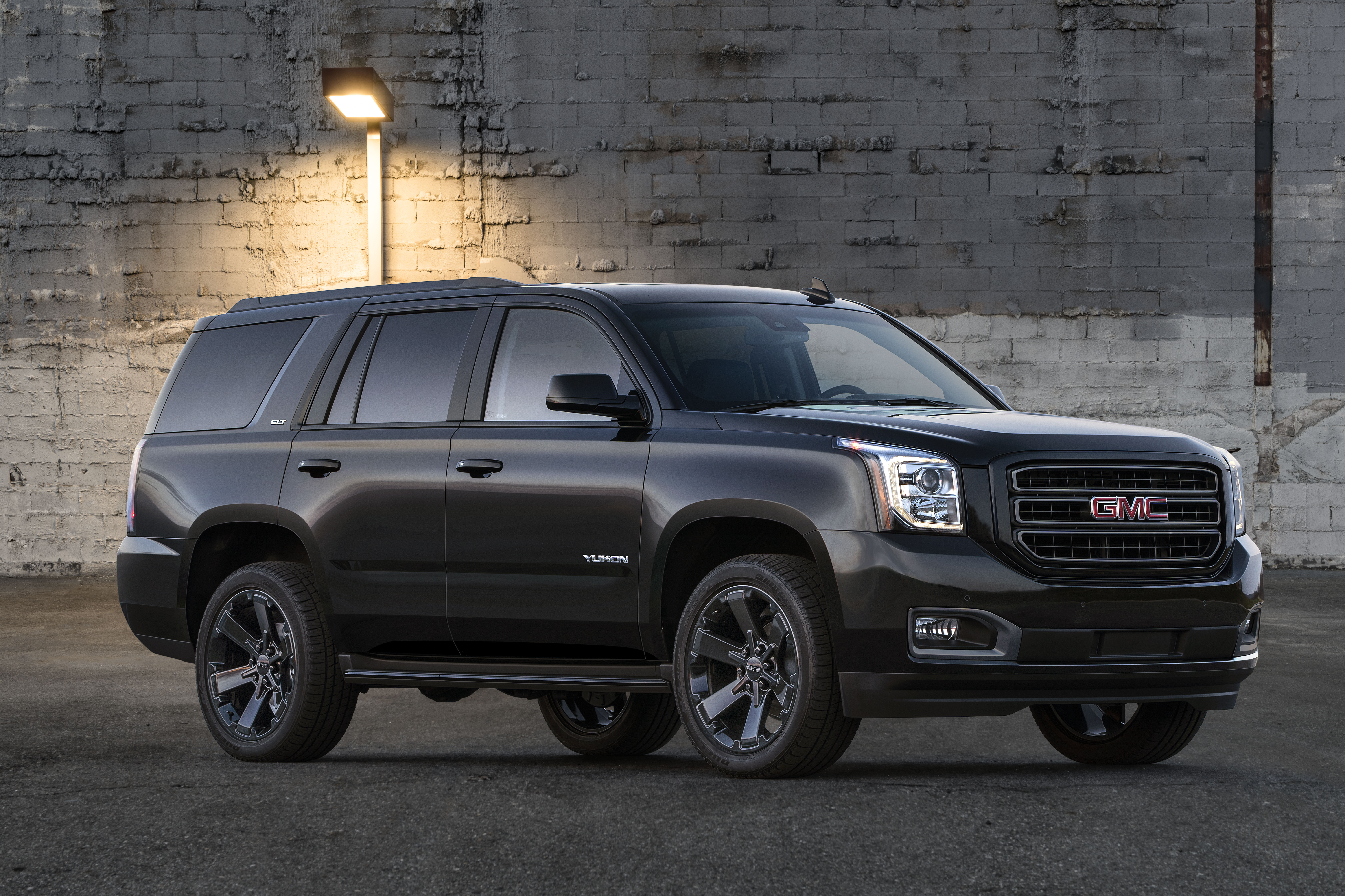 Gmc Introduces 2019 Yukon Graphite Editions